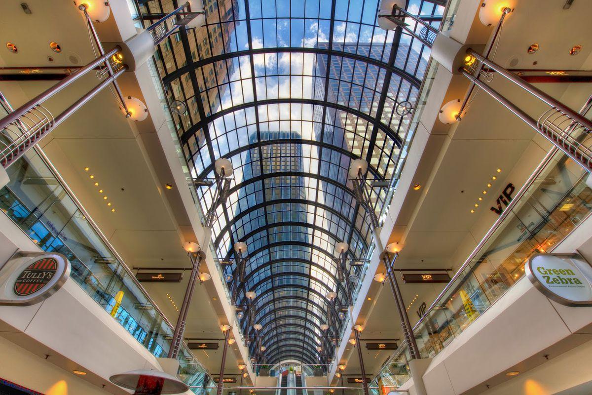 "The beautiful glass-covered roof of the Crocker Galleria; image via <a href=""http://dreameronearthcom.blogspot.com/2011/12/crocker-galleria-in-san-francisco-usa.html"">Dreameronearthcom</a>"