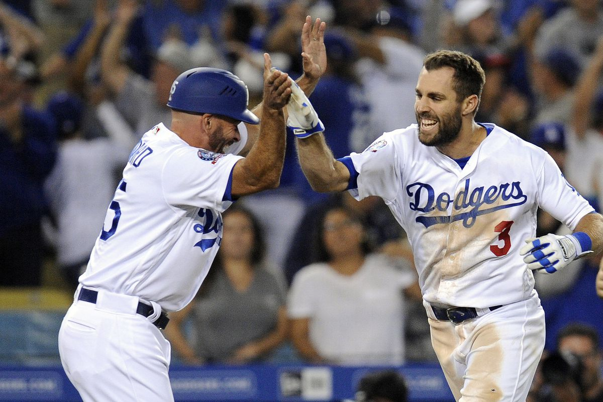 watch 62b83 0f319 World Series 2018: Chris Taylor's eyebrows are the Dodgers ...