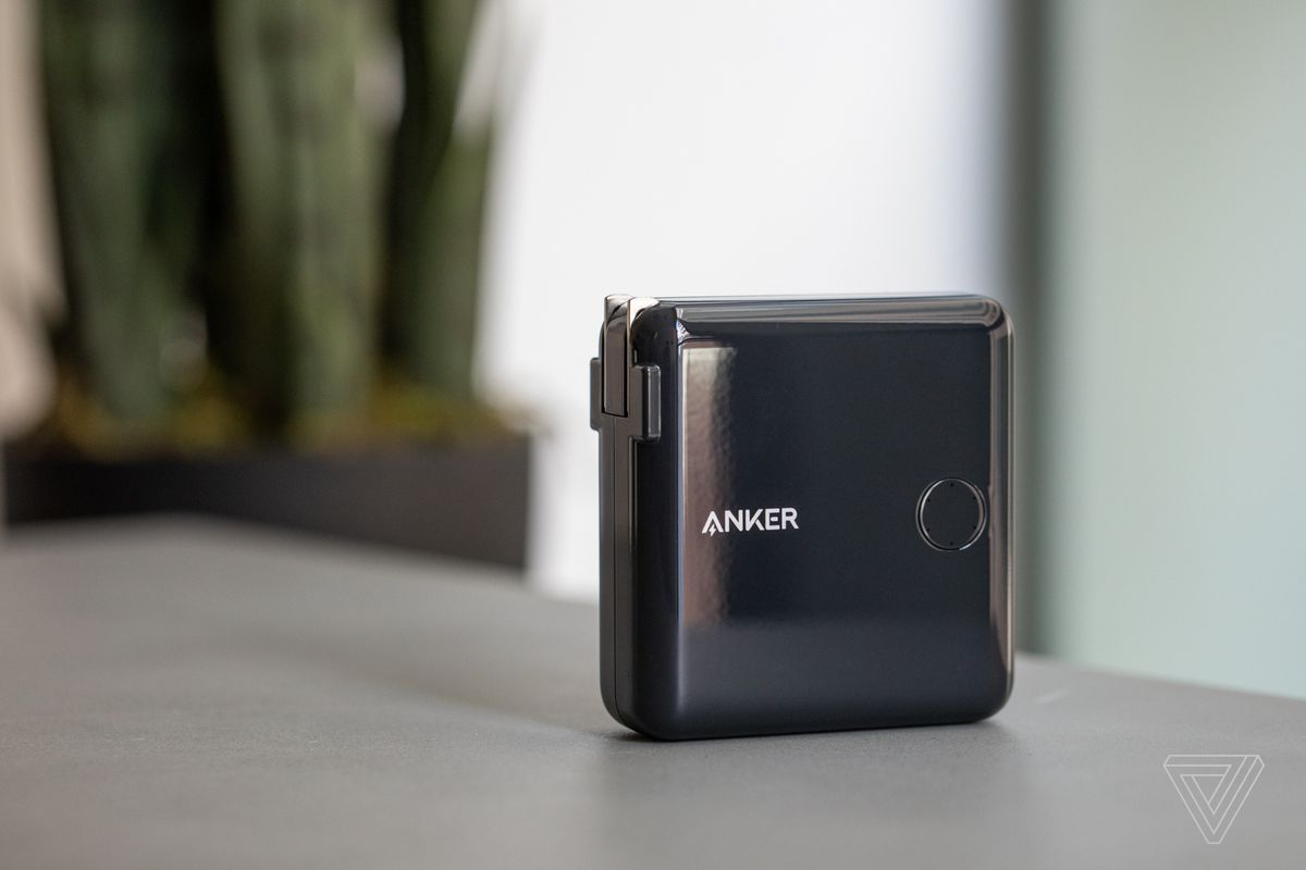 Anker S New Usb C Charger Battery Combo Is Amazing But Awkward