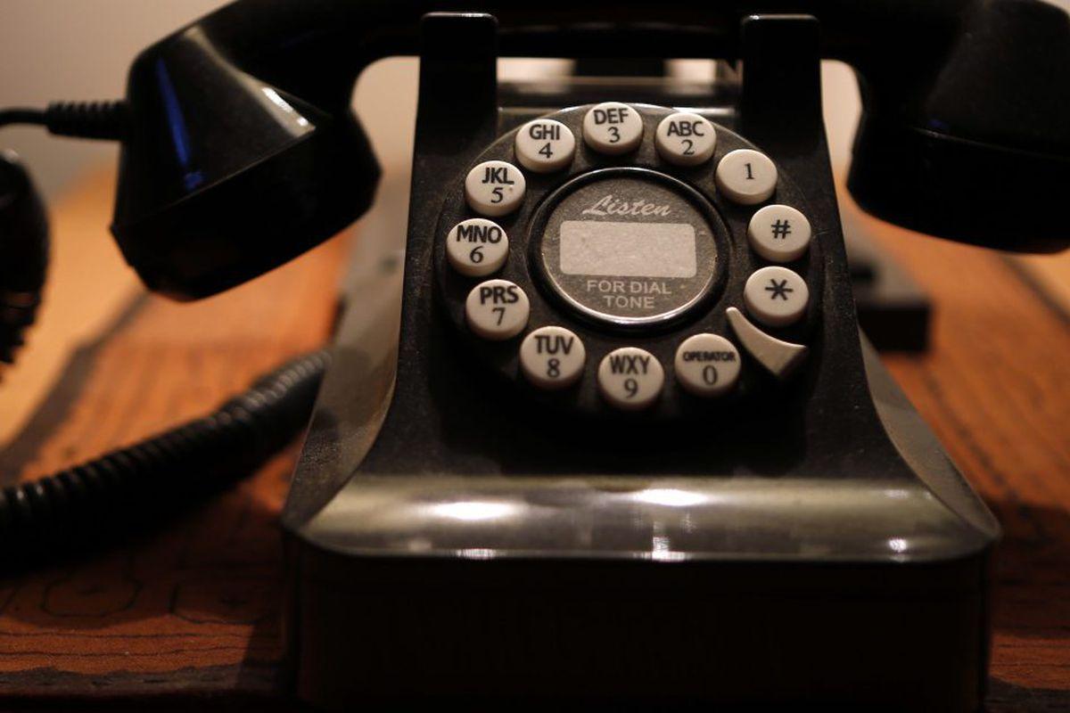 Why Illinois dares not say goodbye to landline phones