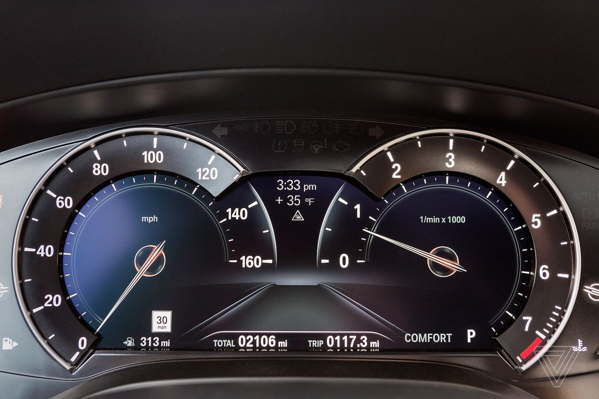 Screendrive The 2017 Bmw 5 Series Emphasizes Design Over Intuitive