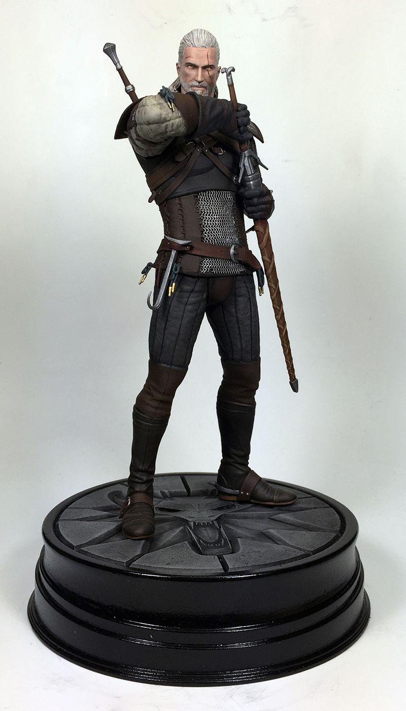 The Witcher 3 - Geralt Dark Horse figure 800