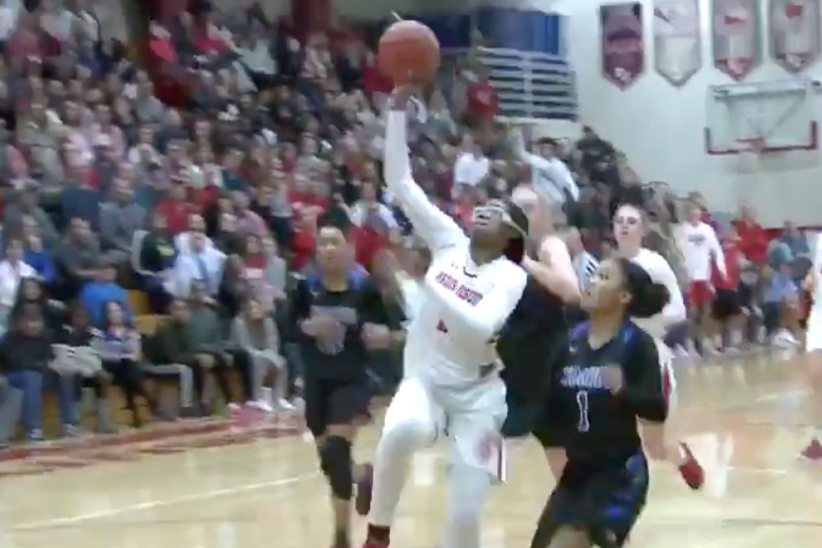 Stanford women s hoops commit Fran Belibi throws down massive dunk in high  school championship game 565146c21