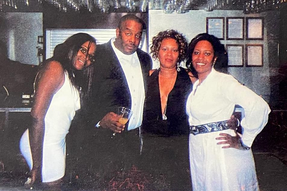 From left to right: Valeisha Manning, Demetrius Manning,Victoria Manning andMikeshia Manning.