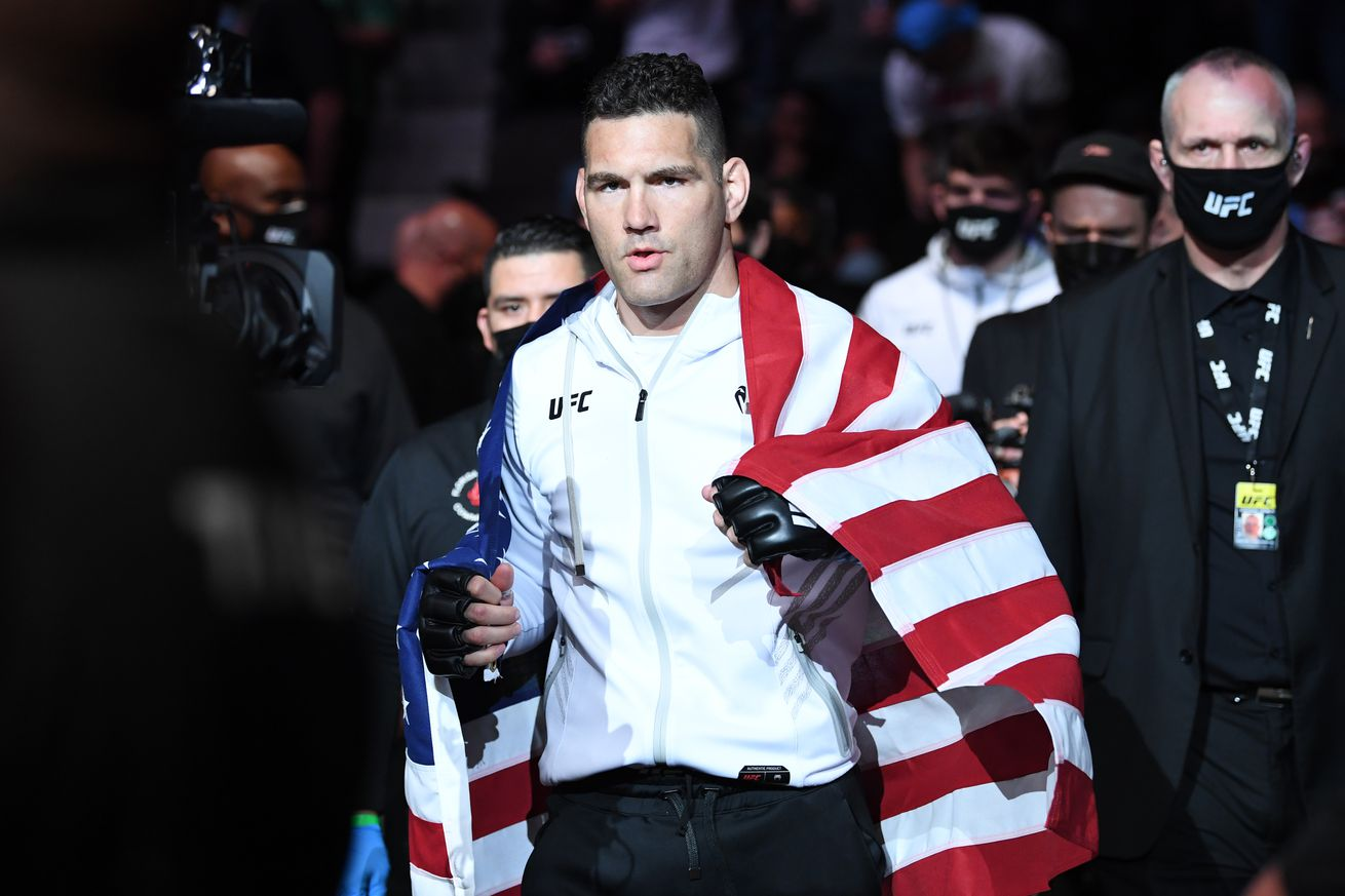 Chris Weidman before his fight against Uriah Hall at UFC 261.
