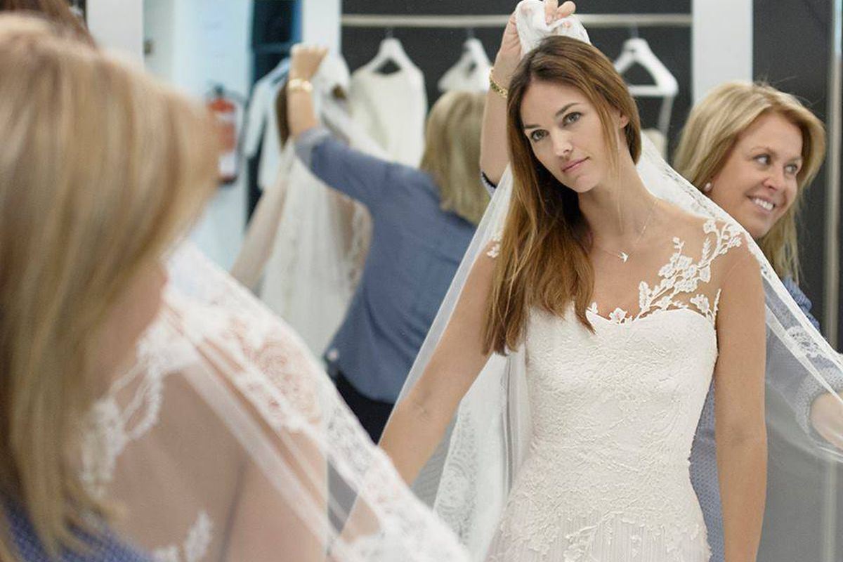 Wedding And Evening Dresses Will Be Up To 70 Percent Off