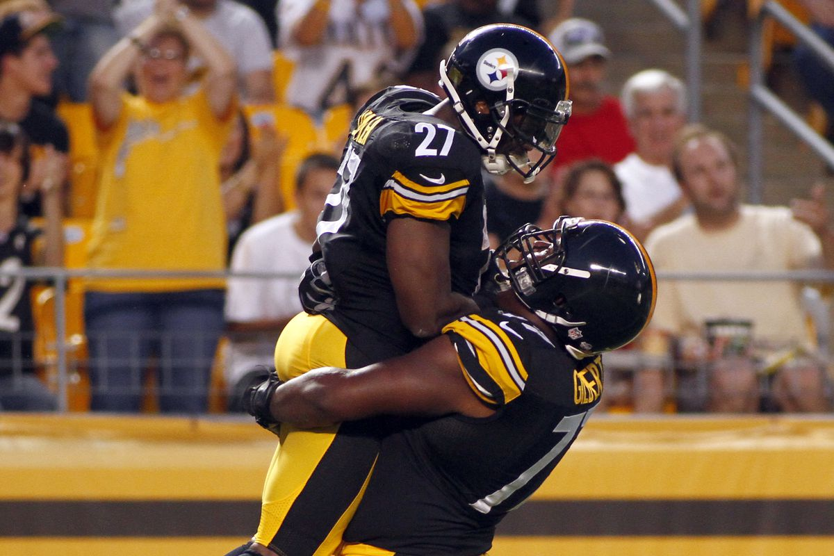 Marcus Gilbert injury Steelers right tackle leaves with leg