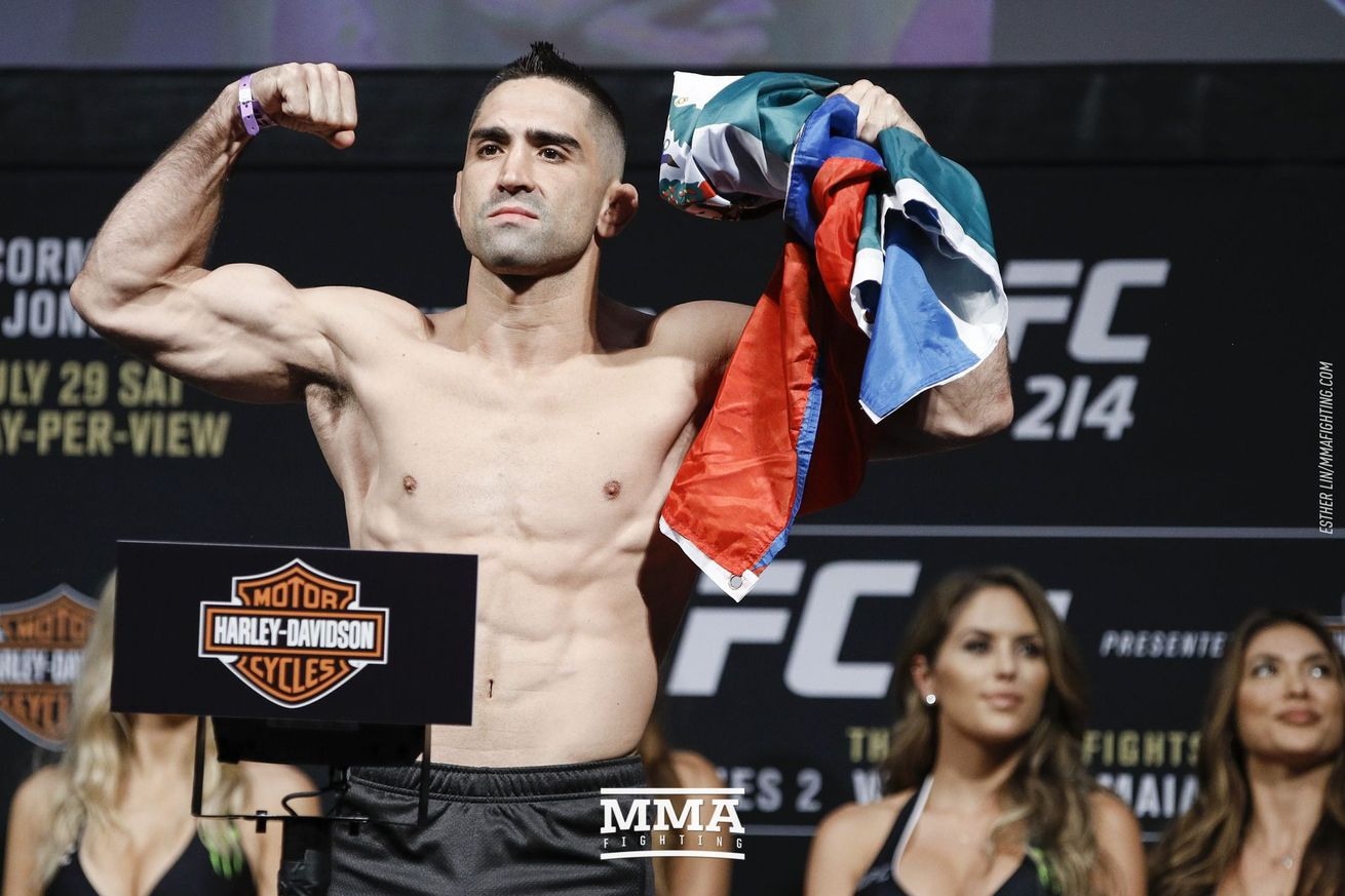 UFC 214 results: Ricardo Lamas finishes Jason Knight in first