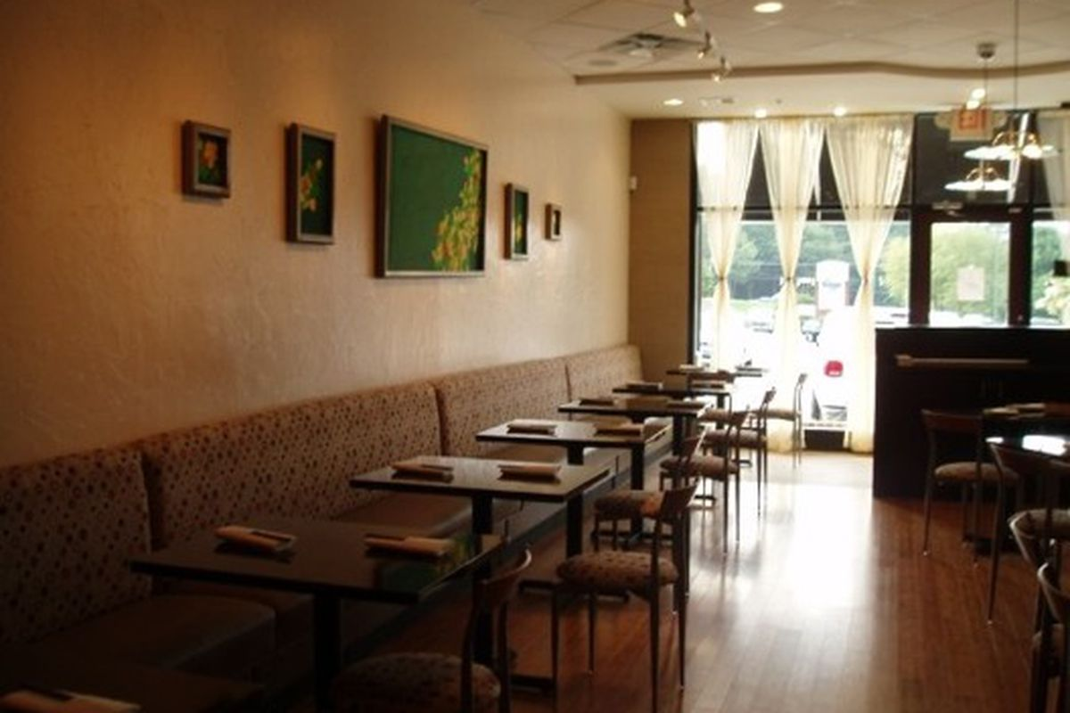 The dining room at TOMO Japanese Restaurant in Vinings.