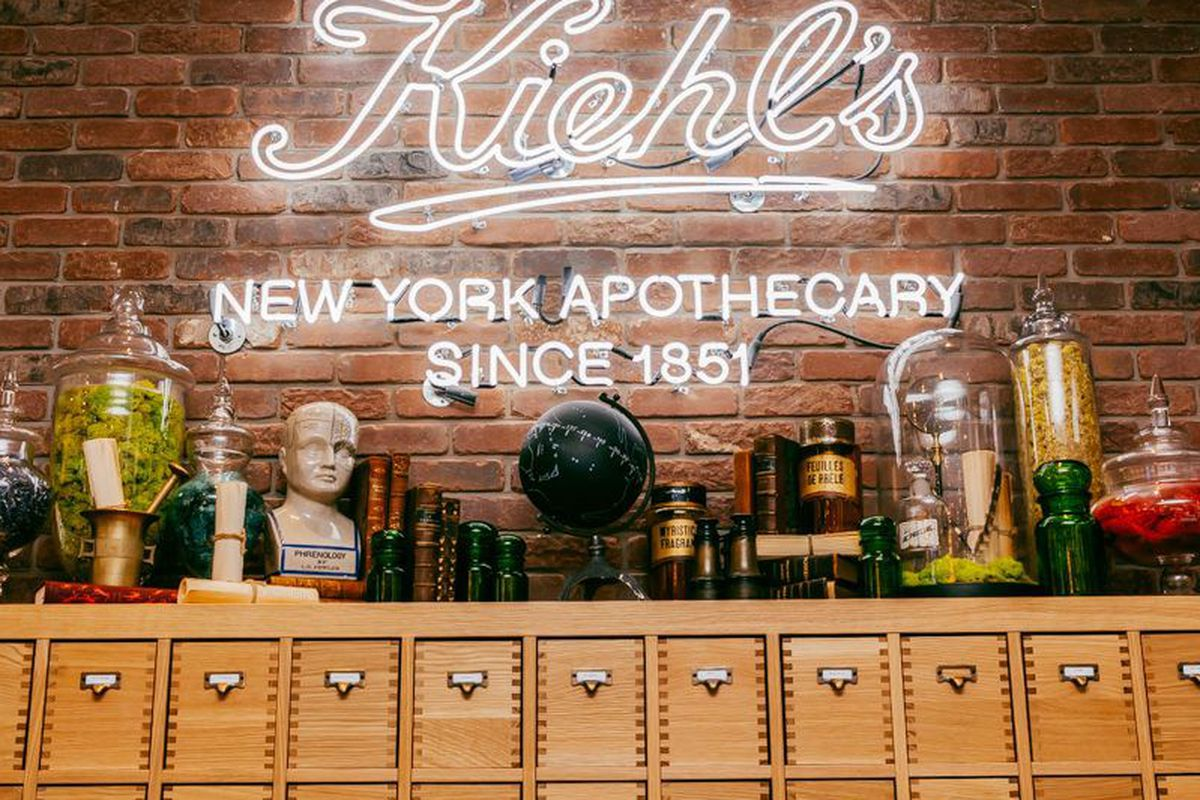 Inside the Brooklyn Heights store. Photo: Driely S.