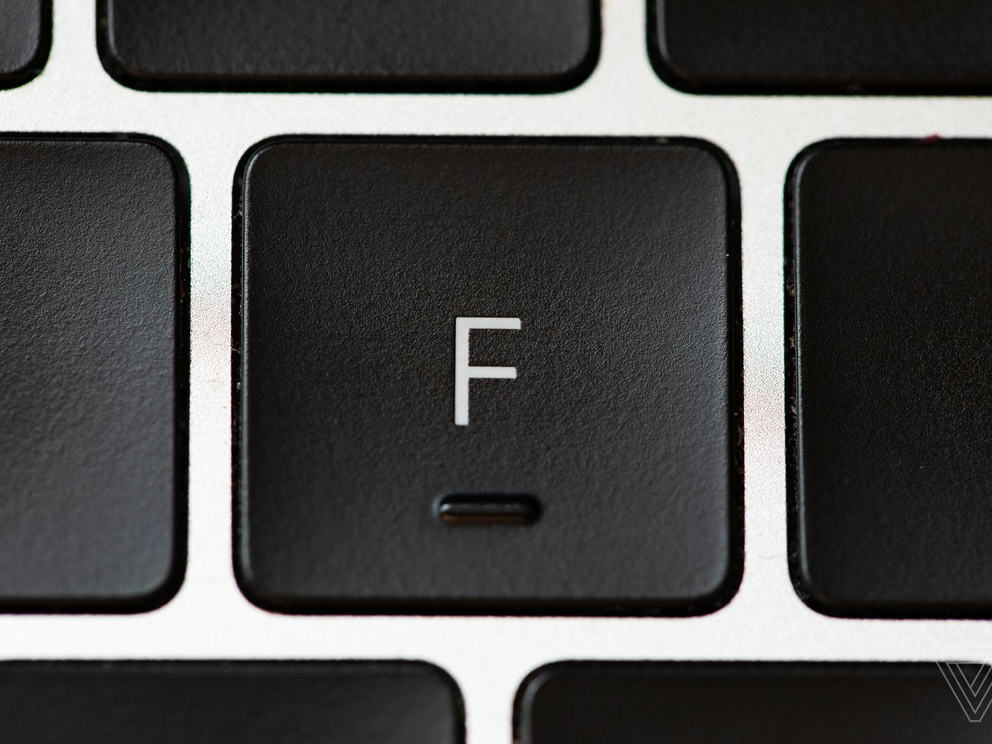 Apple S Butterfly Keyboard Failed By Prioritizing Form Over Function The Verge
