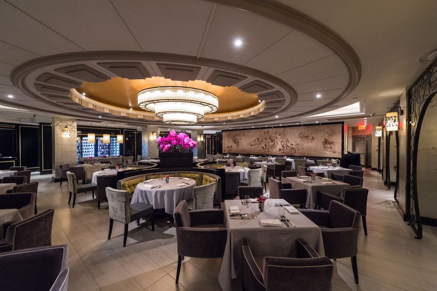 la chine a ritzy regional chinese restaurant in the waldorf astoria eater ny. Black Bedroom Furniture Sets. Home Design Ideas