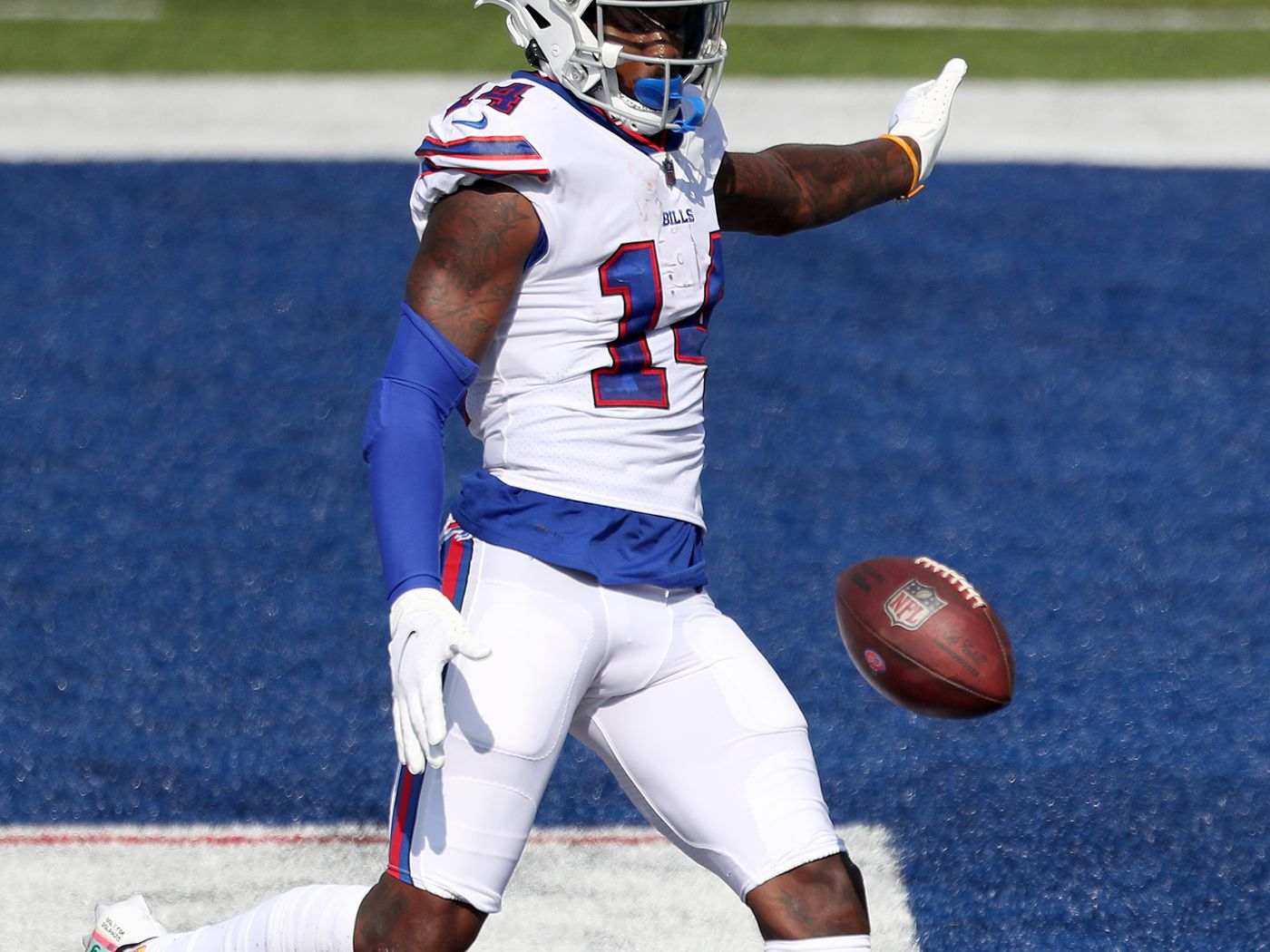 Bills Vs Titans Picks Best Bets To Make For The Week 5 Tuesday Night Football Matchup Draftkings Nation