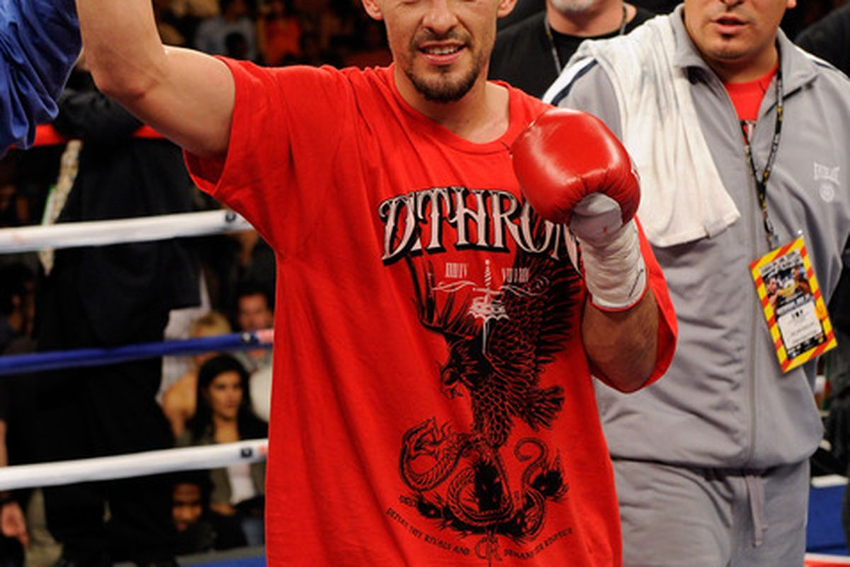 Robert Guerrero's injury and impending move up in weight has pushed him out of the lightweight rankings. (Photo by Ethan Miller/Getty Images)