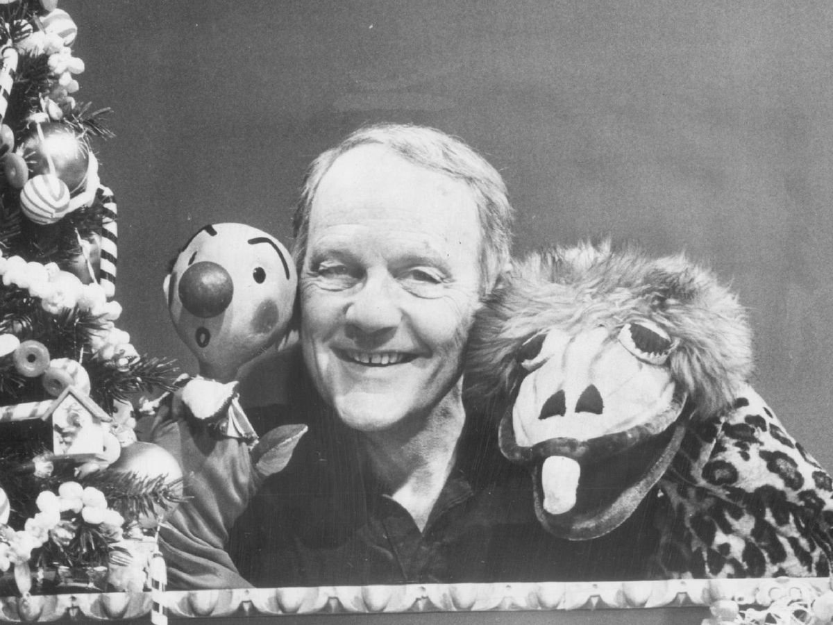 Puppeteer Burr Tillstrom with creations Kukla (left) and Ollie. Tillstrom attended Senn High School and the University of Chicago before working on the TV show aimed at kids that would become a national sensation. | Sun-Times files