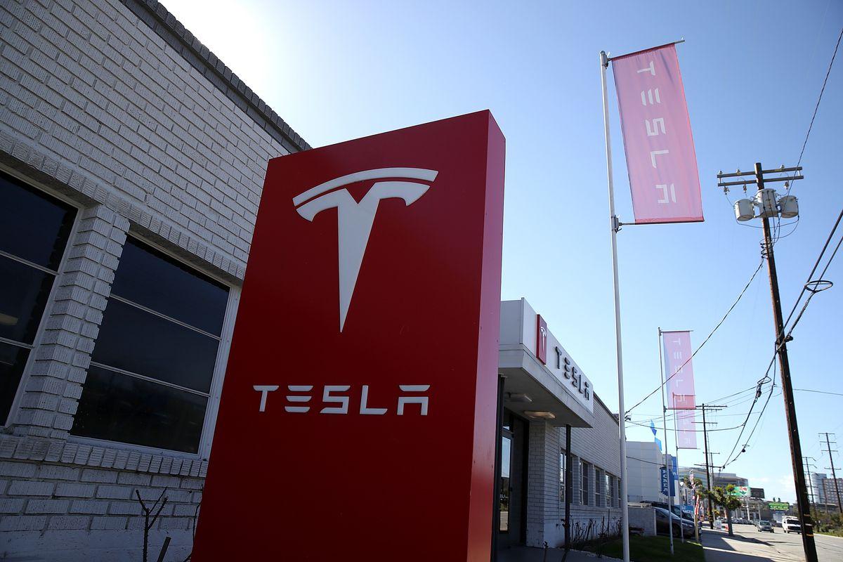 Tesla sign in Los Angeles