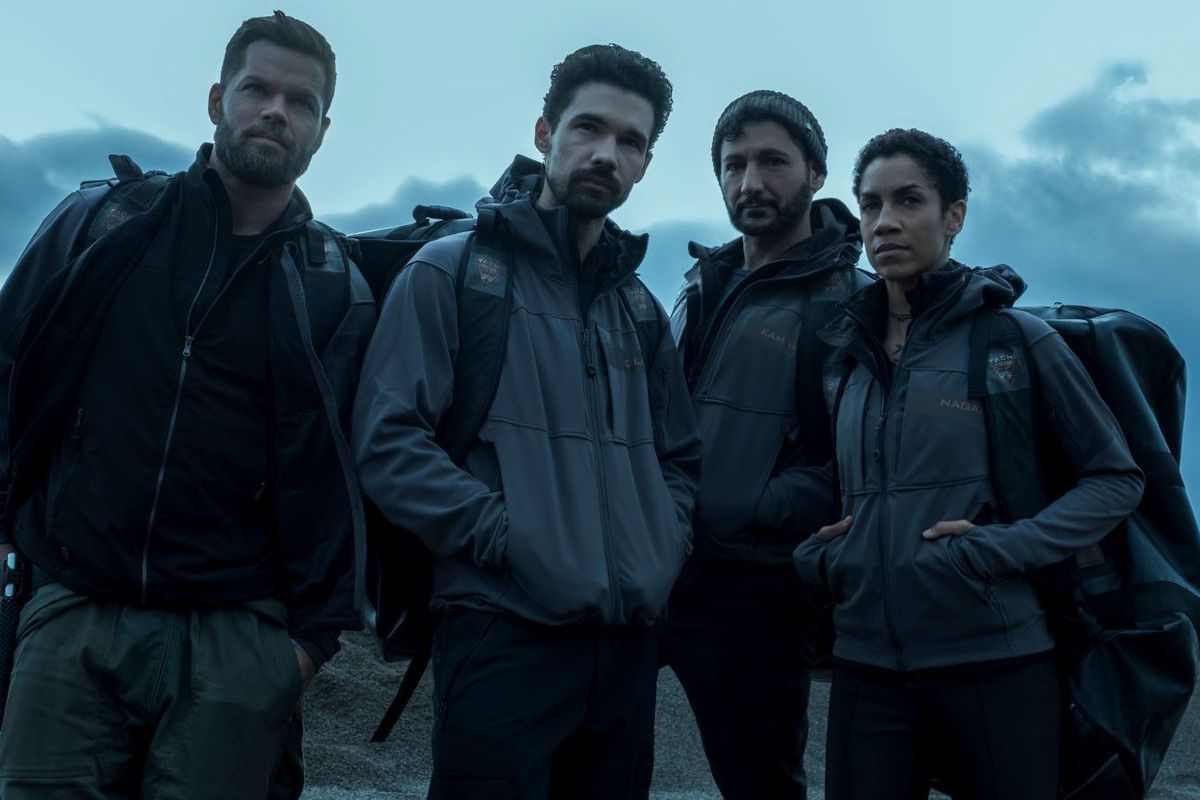 The crew of the Rocinante in promotional images for The Expanse season 4.
