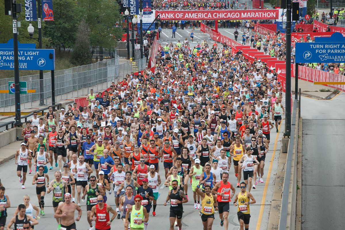 Runners at the start of the Chicago Marathon on Columbus Drive Sunday morning, Oct. 10, 2021.