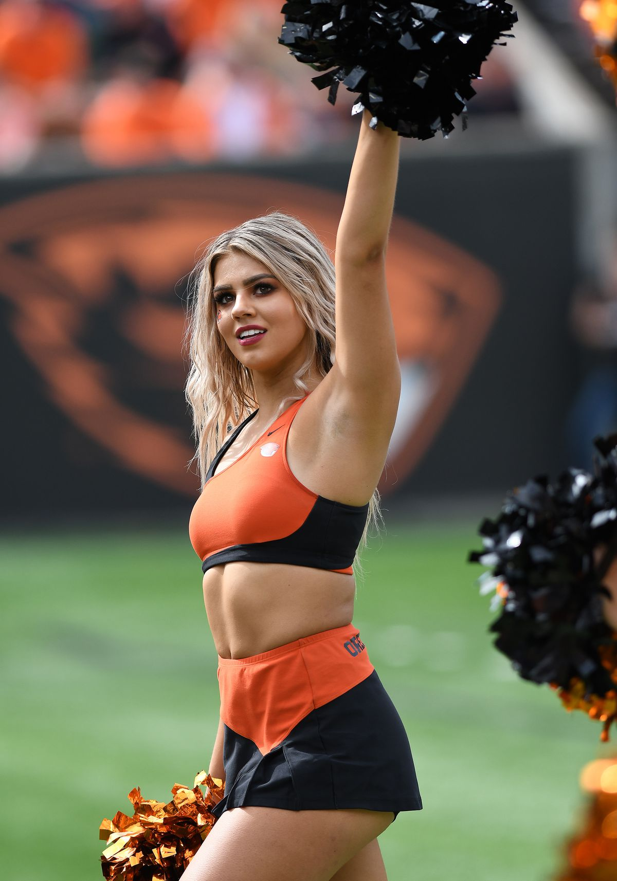 """<p zoompage-fontsize=""""15"""" style="""""""">COLLEGE FOOTBALL: SEP 14 Cal Poly at Oregon State"""