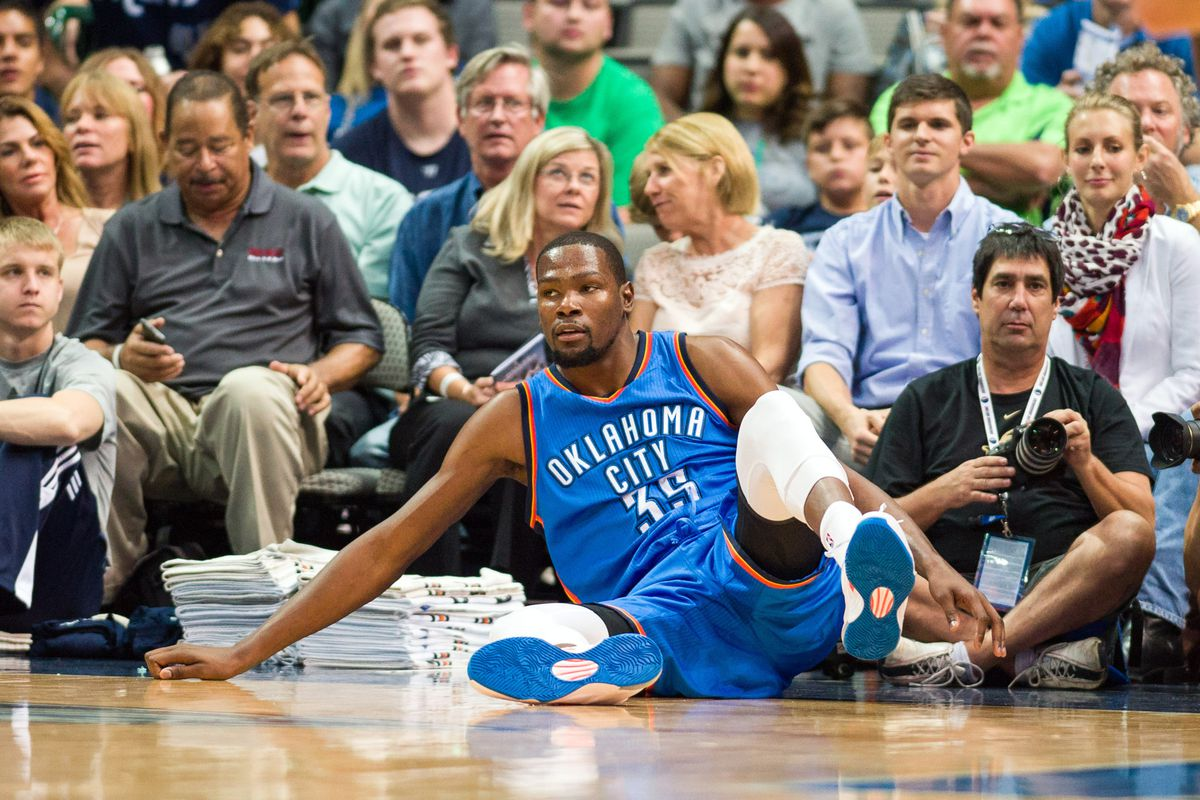 Noooo! Get up, KD! (NOT an actual pic of his injury)