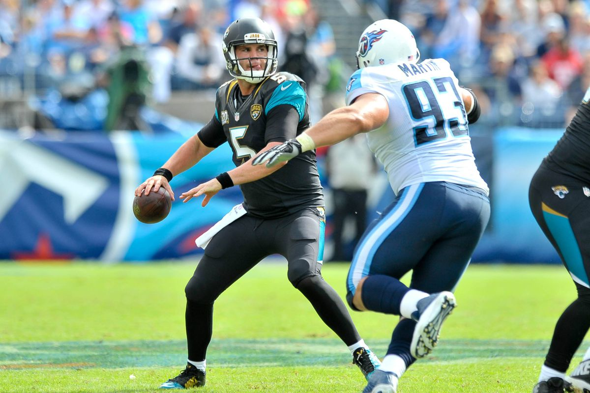 jaguars images photos and williams the vs against of jaguar damian getty picture makes event trent v titans morgan tennessee tackle tickets diving jacksonville a