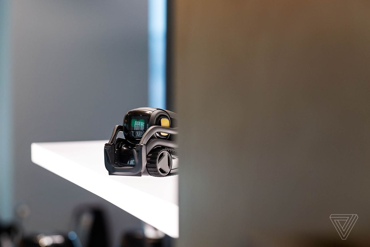 Anki will integrate Alexa into its robot companion Vector