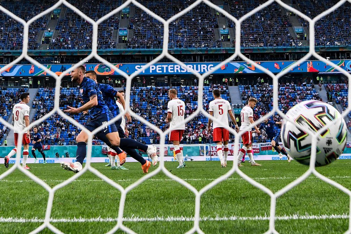 FBL-EURO-2020-2021-MATCH10-POL-SVK