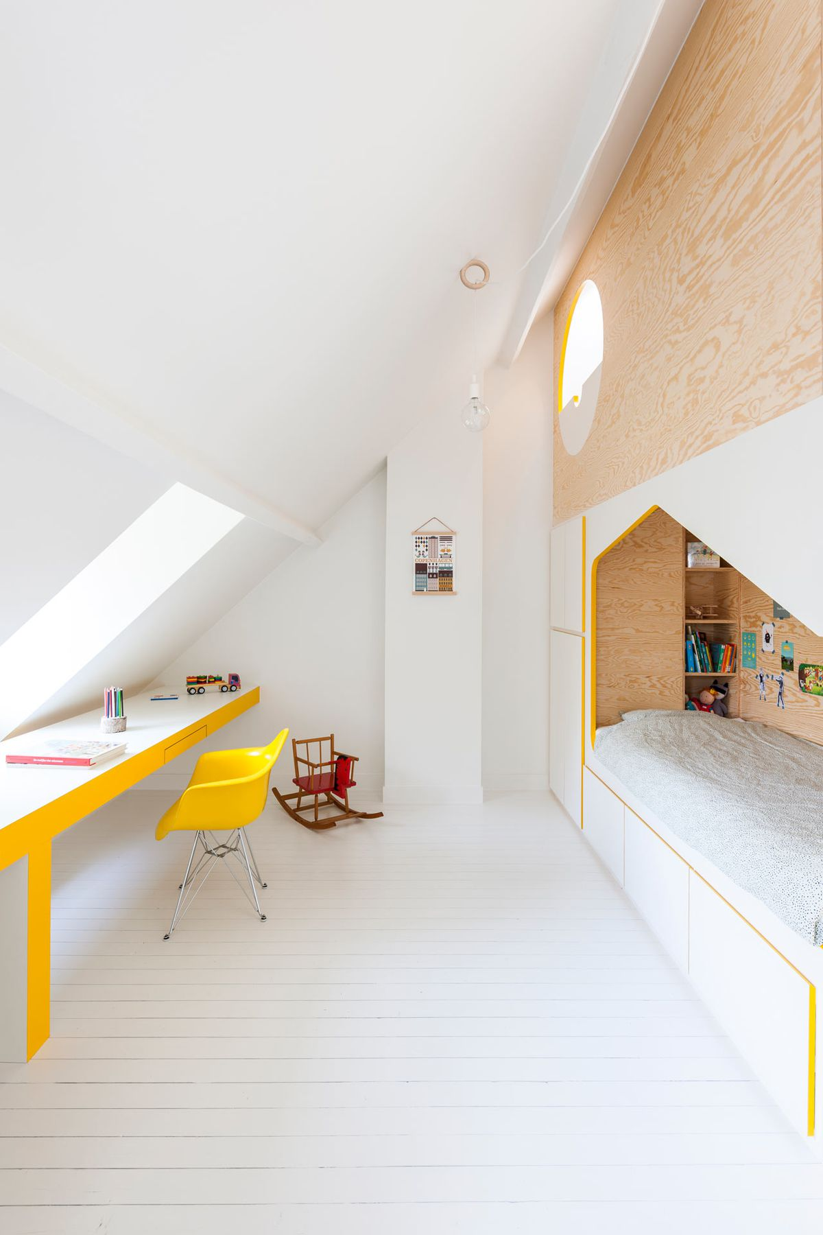 Efficient Kids Room Module Has Two Beds Lofted Playhouse