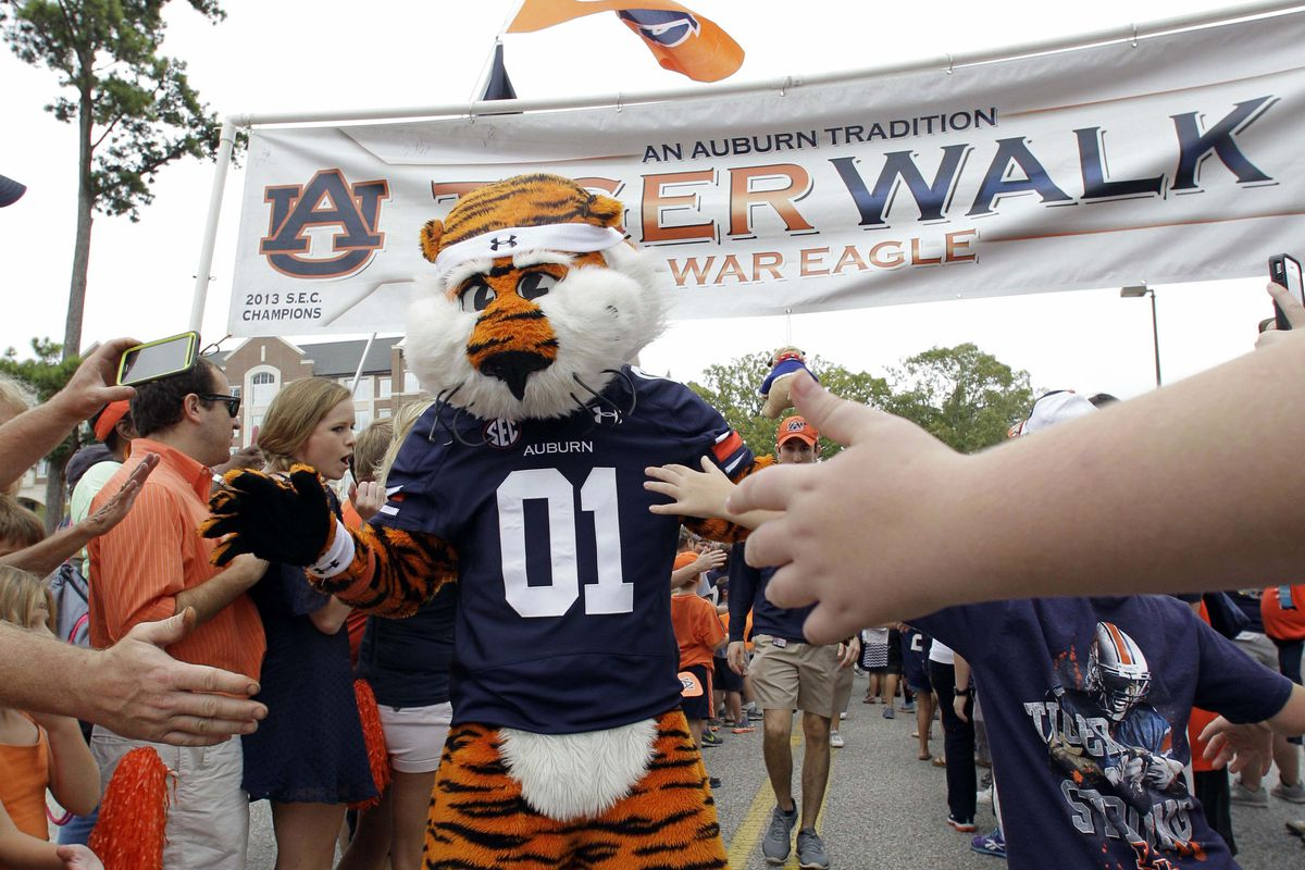 Auburn Cements Under Armour Relationship With Massive
