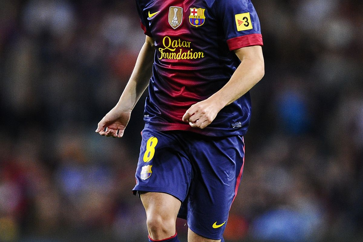 BARCELONA, SPAIN - SEPTEMBER 02:  Andres Iniesta of FC Barcelona runs with the ball during the La Liga match between FC Barcelona and Valencia CF at Camp Nou on September 2, 2012 in Barcelona, Spain.  (Photo by David Ramos/Getty Images)