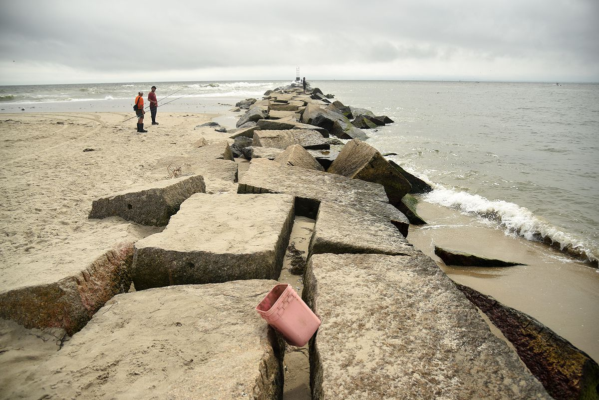 Would an enormous storm surge barrier save NYC's coast—or destroy it