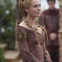 Season 4: Cersei proving that mother-of-the groom hair doesn't have to be matronly.