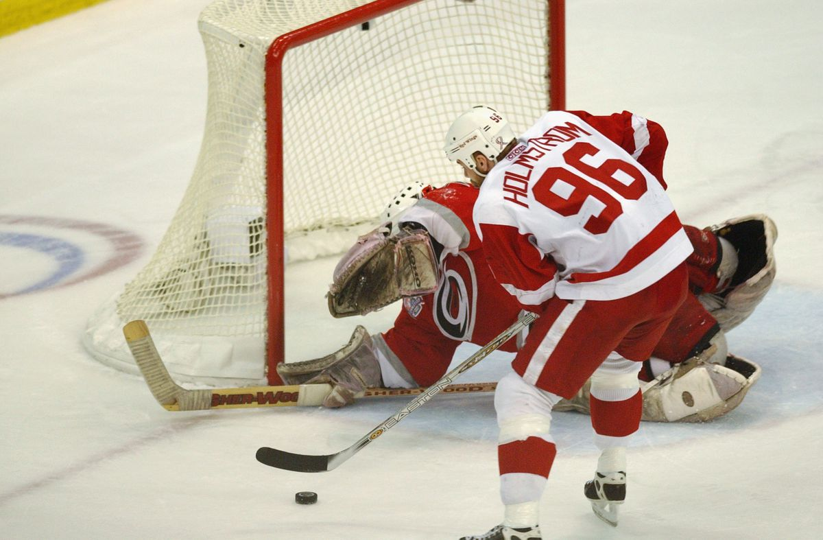 Hurricanes v Red Wings
