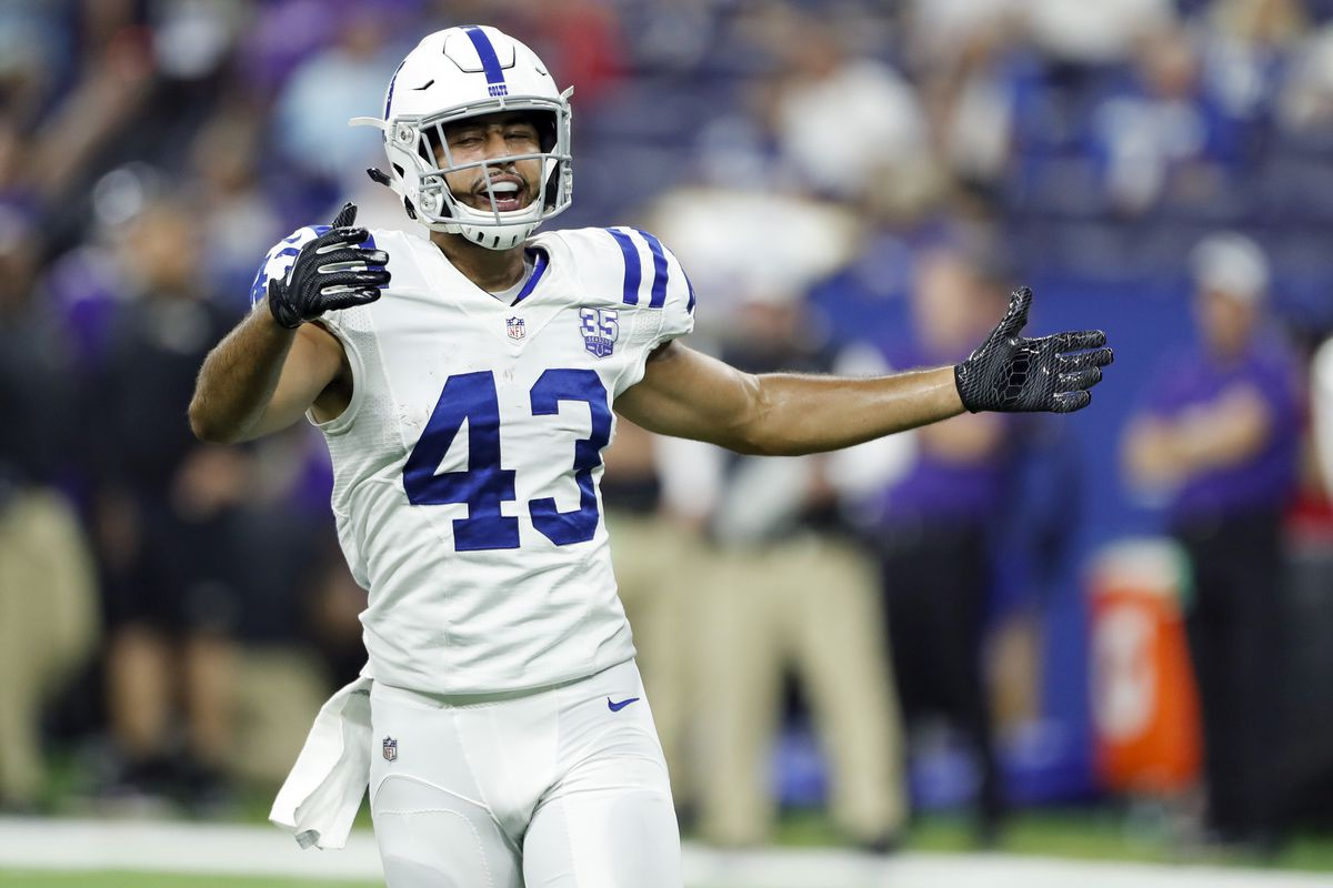 Colts Re Sign Ross Travis To One Year Deal Stampede Blue