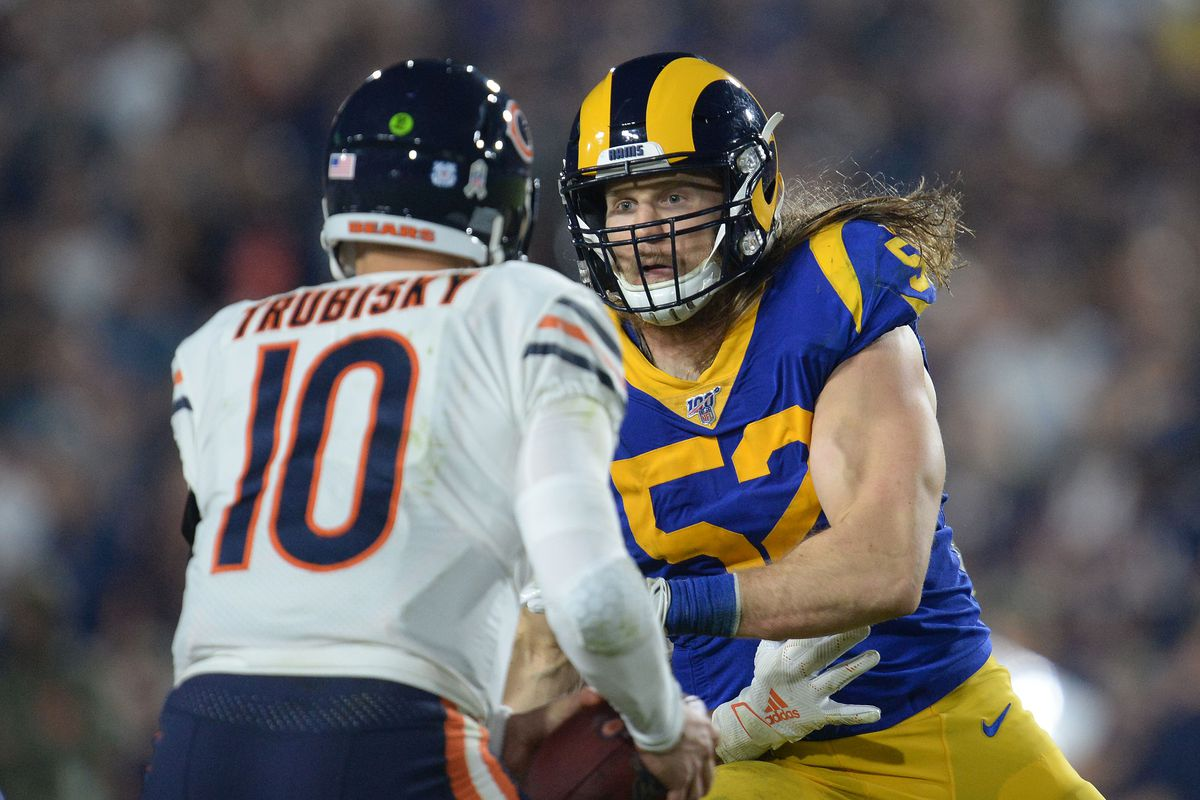 Los Angeles Rams outside linebacker Clay Matthews moves in against Chicago Bears quarterback Mitchell Trubisky during the second half at the Los Angeles Memorial Coliseum.