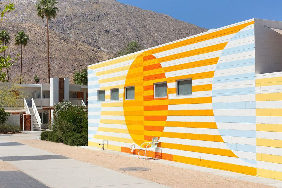 How palm springs long a design hot spot leveled up curbed for Design hotel palm springs