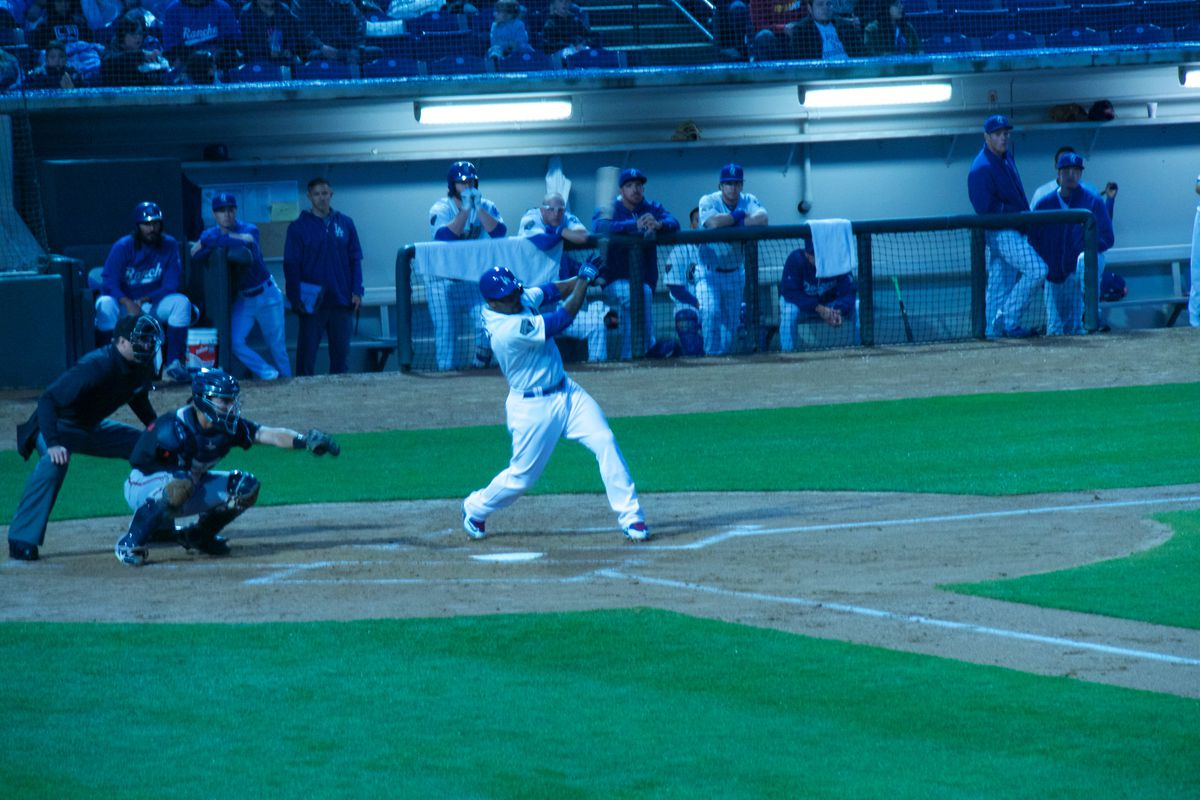 Howie Kendrick singles in the first run in first inning