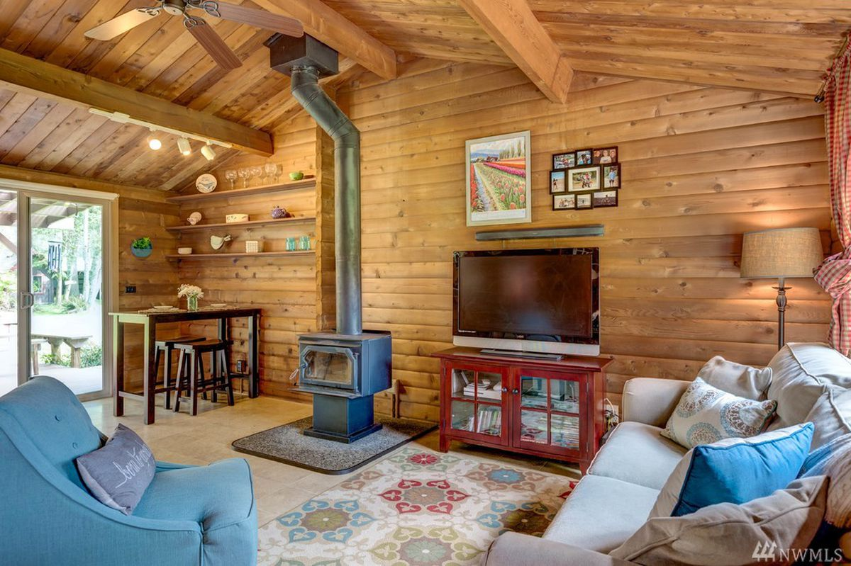 A Tiny House On Whidbey Acreage Is Comfortable Without