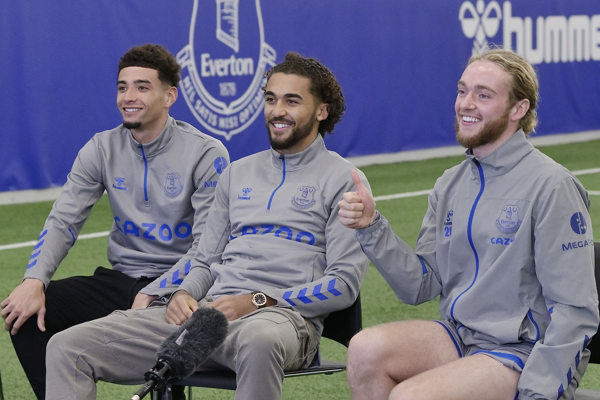 Everton Players Pay a Virtual Visit to Alder Hey Hospital