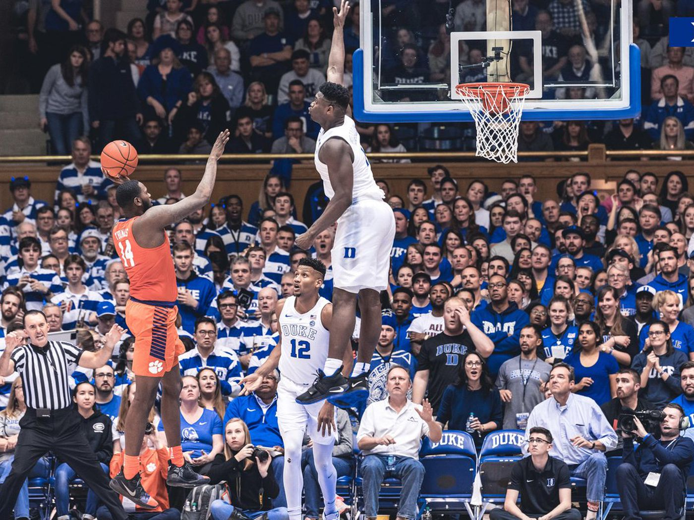 This photo of Zion Williamson is so unbelievable, it looks