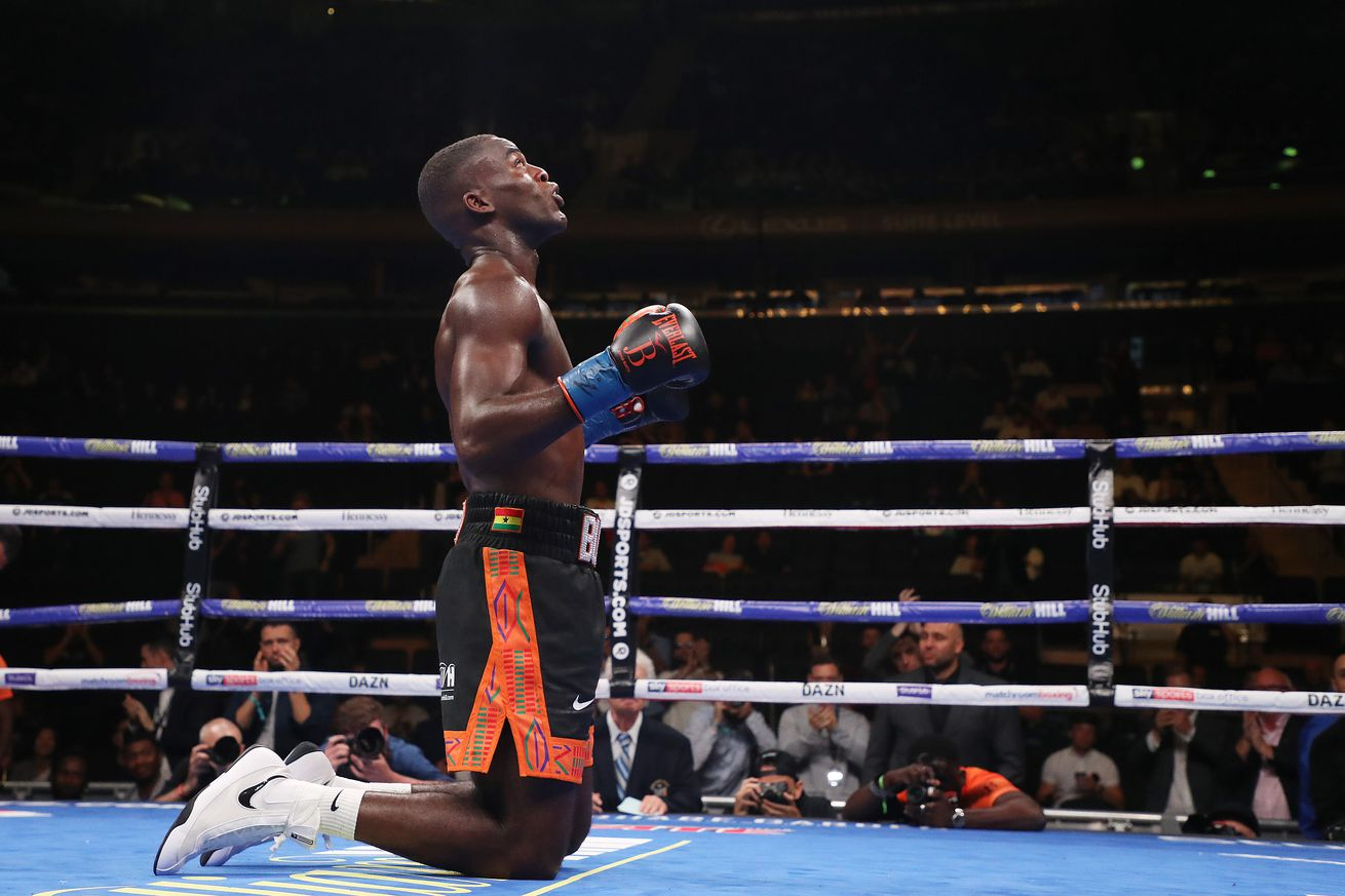 1153106492.jpg.0 - Buatsi stops Periban in fourth round