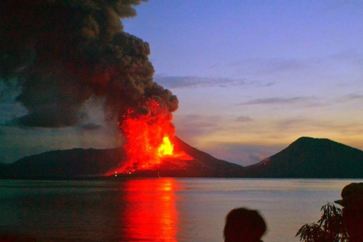 A photo of the eruption of Mount Tavurvur in Papua New Guinea taken August 28, 2014.