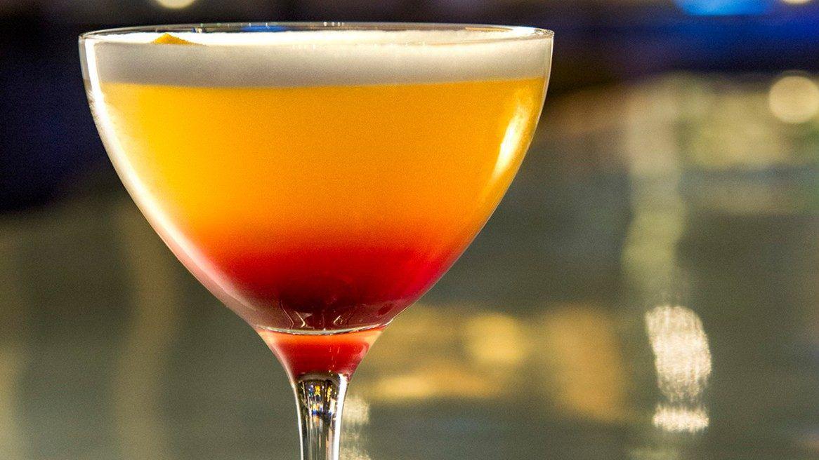 Del Toro at Vista Cocktail Lounge