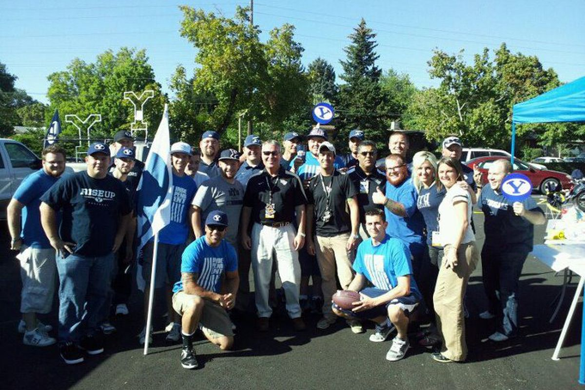 Orlando mayor Buddy Dyer and some Central Florida fans hang out with BYU tailgaters | Sept 23, 2011