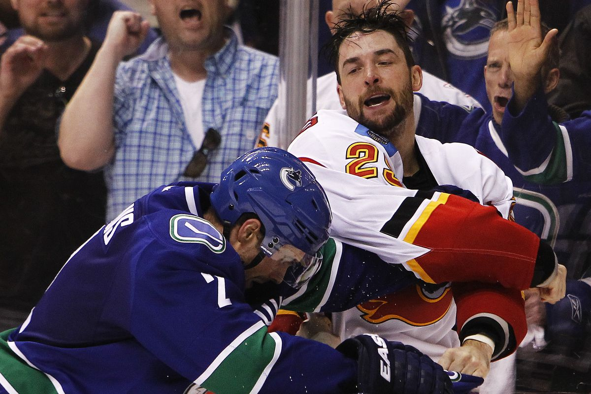 In which Engelland had to fight two people simultaneously.
