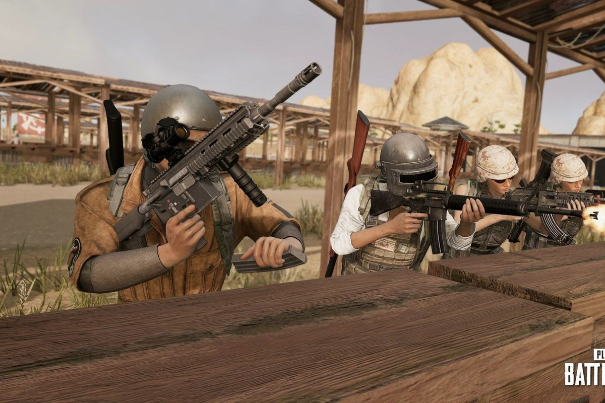 PUBG players shooting assault rifles