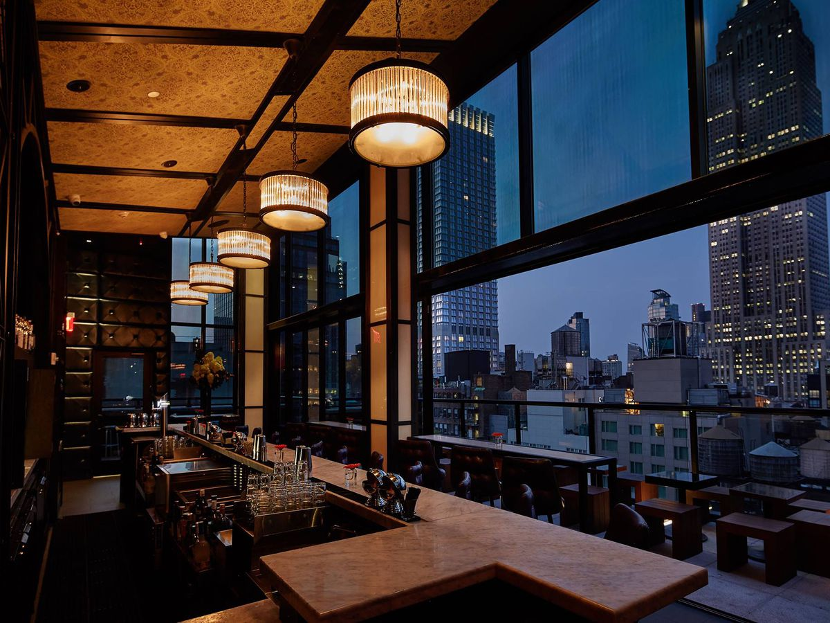The Best Rooftop Bars With Views At New York City Hotels