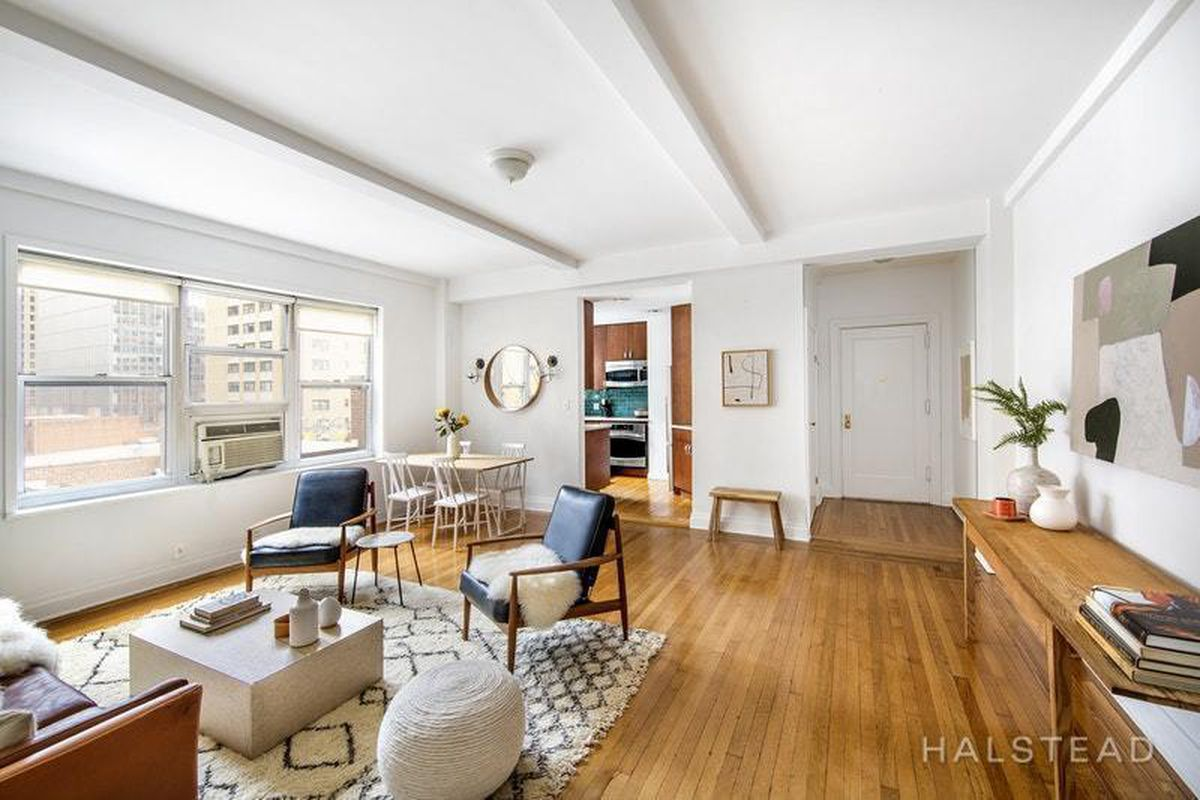 In Hell's Kitchen, a bright and chic co-op lists for $775K - Curbed NY