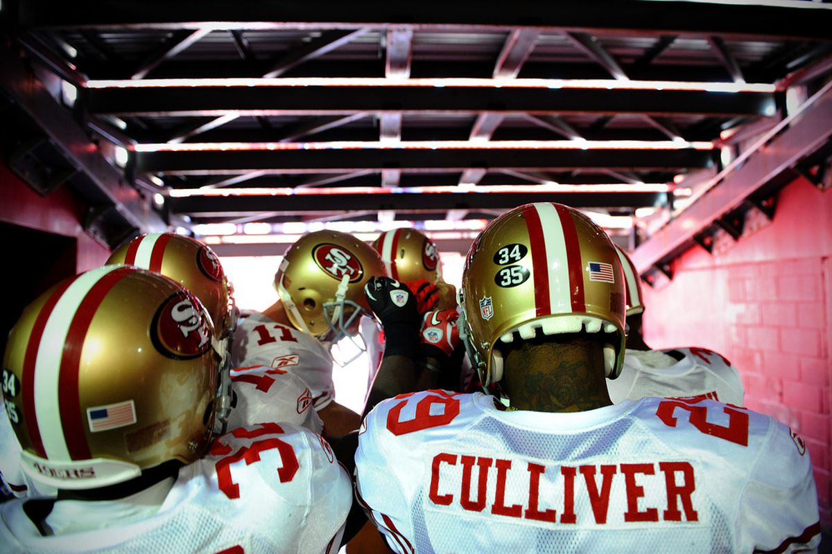 LANDOVER, MD - NOVEMBER 6: Cornerback Chris Culliver #29 of the San Francisco 49ers and teammates huddle up before taking on the Washington Redskins at FedExField on November 6, 2011 in Landover, Maryland. (Photo by Patrick Smith/Getty Images)