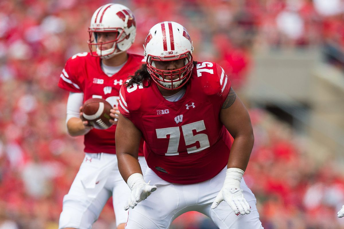 A Look At Wisconsin S Offense After Two Weeks Of Fall Camp